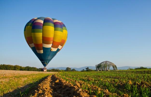 lavt flyvende ballon